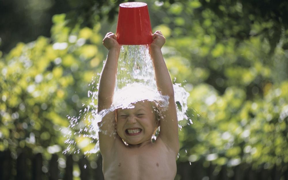 Обливание холодной водой - польза или вред для организма?!
