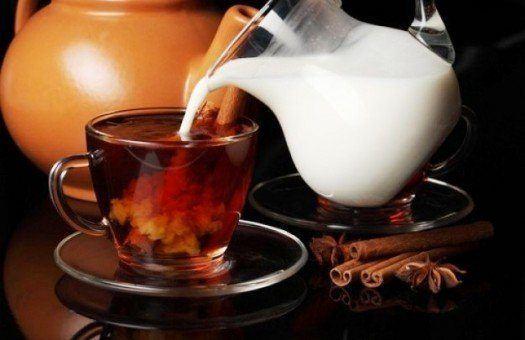 Напиток аристократов; чай с молоком: польза и вред