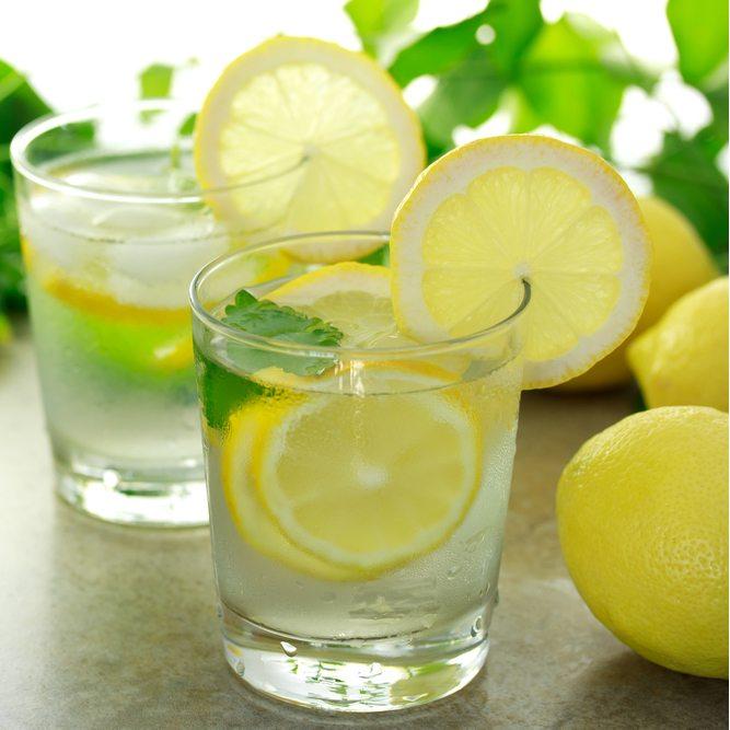 как приготовить напиток с лимоном и водой